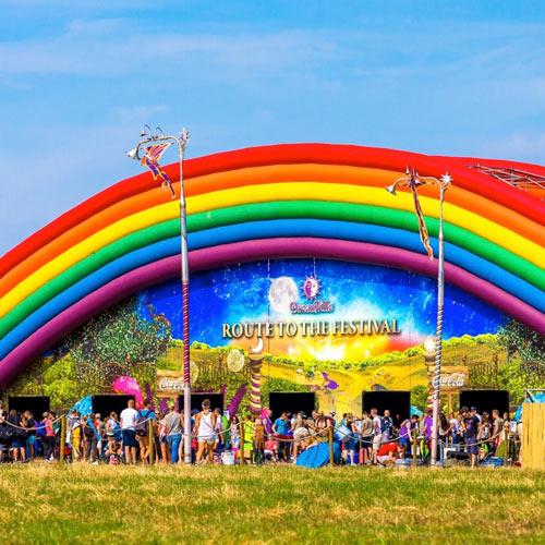 Suboi mang tinh thần 'không lùi bước' tới Tomorrowland 2016 - 1