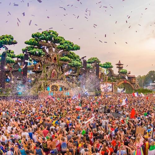 Suboi mang tinh thần 'không lùi bước' tới Tomorrowland 2016 - 3