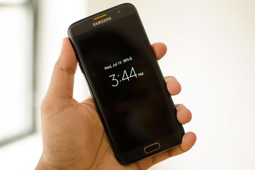 Galaxy S7 Edge là smartphone bán chạy nhất nửa đầu 2016 - 1