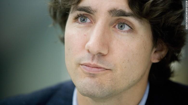 Thủ tướng Canada cởi trần, vô tình lọt vào ảnh cưới - 4