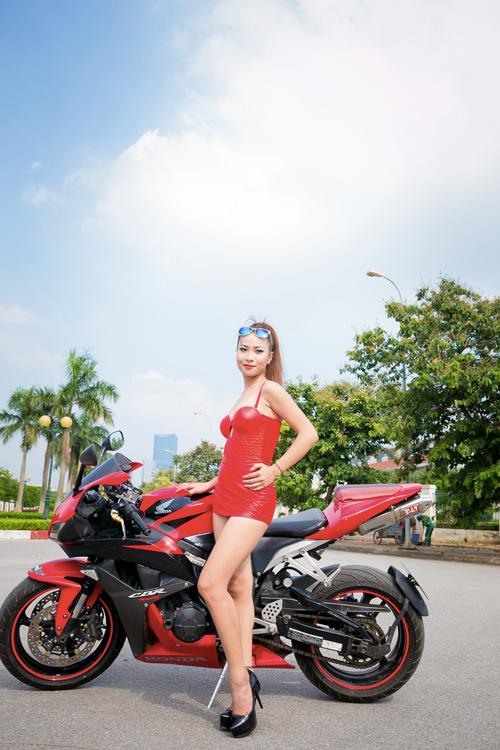 Hà Nội: Xôn xao buổi chụp ảnh sexy để làm từ thiện - 11