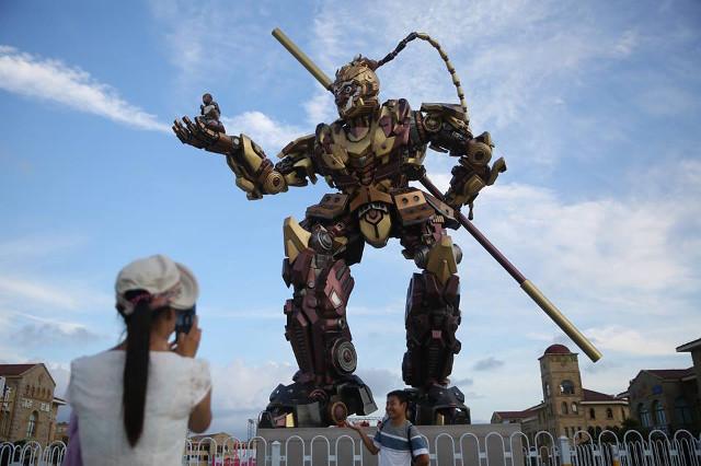 TQ làm robot Tôn Ngộ Không khổng lồ như trong... phim Mỹ - 1