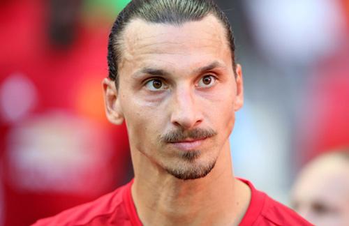 Pogba, Ibrahimovic chia rẽ, hay chắp cánh cho MU? - 2