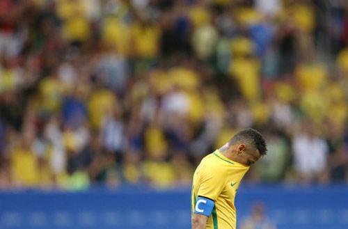 Sắp bị loại ở Olympic: Brazil và 3 năm tủi hổ - 1