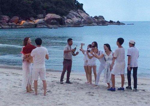 Hà Hồ phủ nhận tin đồn được đại gia kim cương cầu hôn - 1