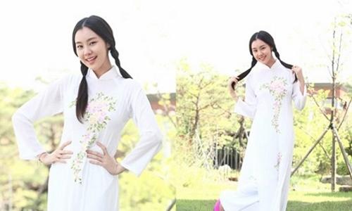 """Hari Won """"thua đứt"""" loạt sao Hàn khi diện áo dài Việt - 17"""