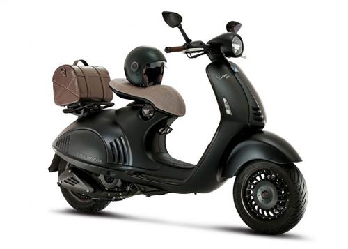 Ra mắt Vespa 946 Emporio Armani mới giá 379 triệu đồng - 1