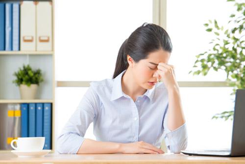 Cảnh báo nguy cơ mắc viêm mũi, xoang gia tăng ở dân văn phòng - 1