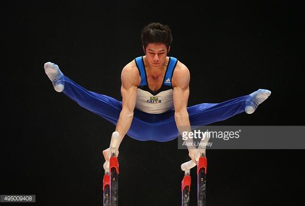 """Chị em """"ngất lịm"""" trước body 6 múi của mỹ nam Olympic - 7"""