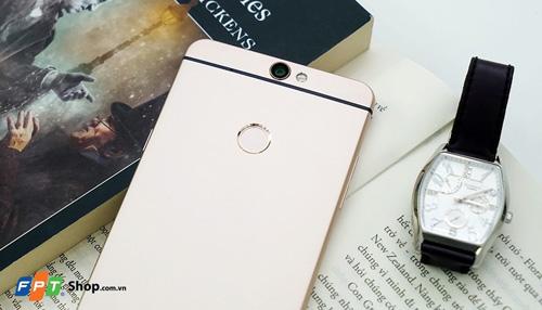FPT Shop tặng quà và giảm 3 triệu đồng cho khách mua Coolpad Max - 2