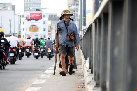 """Cuộc sống của """"đại gia đình"""" 37 người bán vé số ở Sài Gòn - 22"""