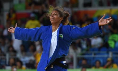 Tin nóng Olympic ngày 3: Chủ nhà Brazil lần đầu có HCV - 1