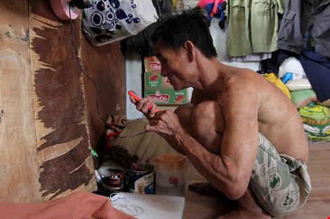 """Cuộc sống của """"đại gia đình"""" 37 người bán vé số ở Sài Gòn - 12"""