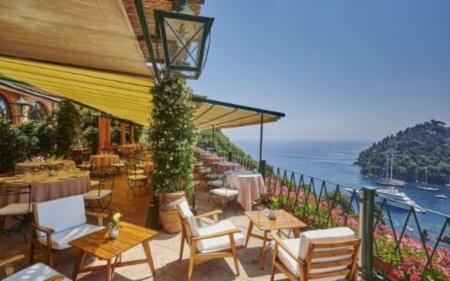 Trốn nóng ở 10 khách sạn ven biển đẹp nhất châu Âu - 4