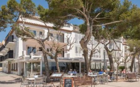 Trốn nóng ở 10 khách sạn ven biển đẹp nhất châu Âu - 5