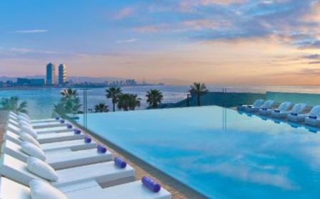 Trốn nóng ở 10 khách sạn ven biển đẹp nhất châu Âu - 6
