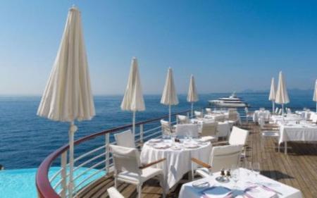 Trốn nóng ở 10 khách sạn ven biển đẹp nhất châu Âu - 8