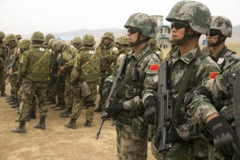 """Tống giam tướng, quân đội TQ vẫn không """"vá"""" được chỗ yếu - 4"""