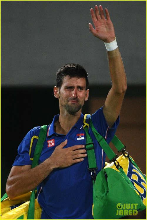 Djokovic thua sốc ở Olympic: Nước mắt huyền thoại - 2