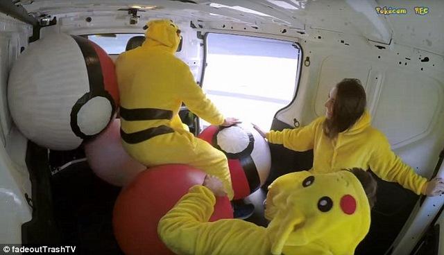 Chuyện ngược đời: Pokemon đi săn người - 1