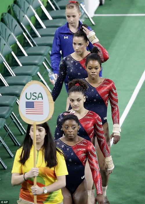Vận động viên thể dục dụng cụ Mỹ mặc đẹp nhất Rio 2016 - 3