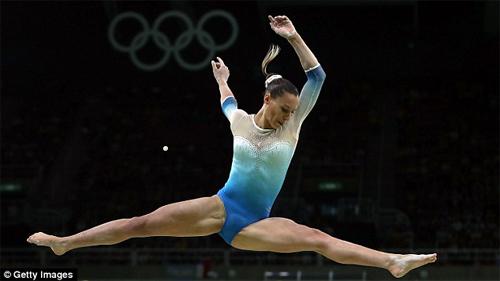 Vận động viên thể dục dụng cụ Mỹ mặc đẹp nhất Rio 2016 - 5