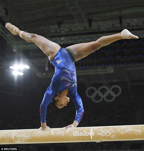Vận động viên thể dục dụng cụ Mỹ mặc đẹp nhất Rio 2016 - 6
