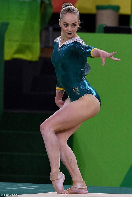 Vận động viên thể dục dụng cụ Mỹ mặc đẹp nhất Rio 2016 - 13