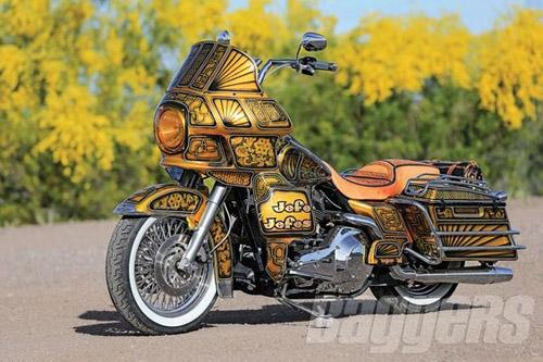 """Harley-Davidson Road King: Xế độ """"ông trùm của các ông trùm"""" - 1"""