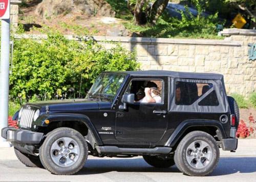 Quý tử nhà David Beckham sở hữu hai ô tô riêng ở tuổi 17 - 3