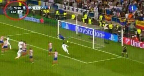 """Giải cứu Real, Ramos khiến báo chí """"cạn lời"""" ngợi ca - 2"""