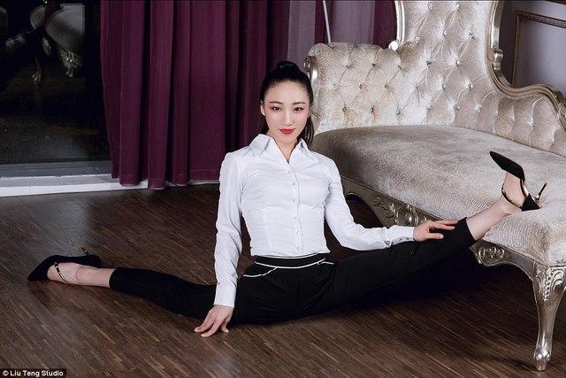 Nữ nghệ sĩ uốn dẻo Trung Quốc…đánh son bằng chân - 3