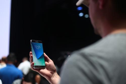 Galaxy Note7 - Biểu tượng thiết kế của smartphone tương lai - 3