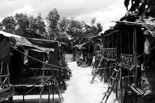 Chuyện khó tin ở một xóm toàn Việt Kiều - 2