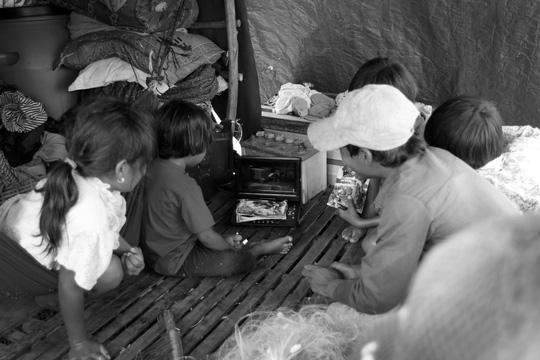Chuyện khó tin ở một xóm toàn Việt Kiều - 12