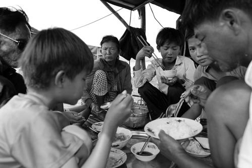 Chuyện khó tin ở một xóm toàn Việt Kiều - 13