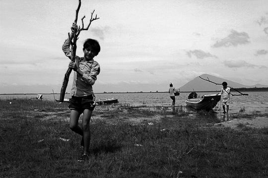 Chuyện khó tin ở một xóm toàn Việt Kiều - 6