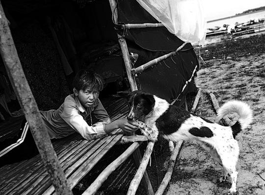 Chuyện khó tin ở một xóm toàn Việt Kiều - 8