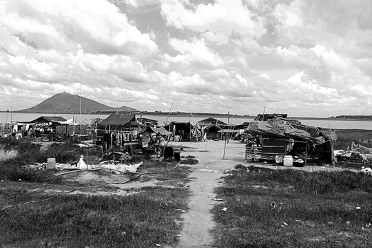 Chuyện khó tin ở một xóm toàn Việt Kiều - 1