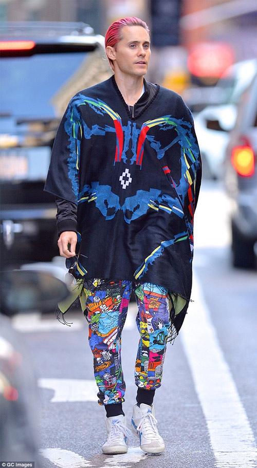 """Ngắm phong cách cực hấp dẫn của """"Joker đẹp nhất lịch sử"""" - 12"""