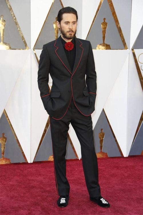"""Ngắm phong cách cực hấp dẫn của """"Joker đẹp nhất lịch sử"""" - 17"""