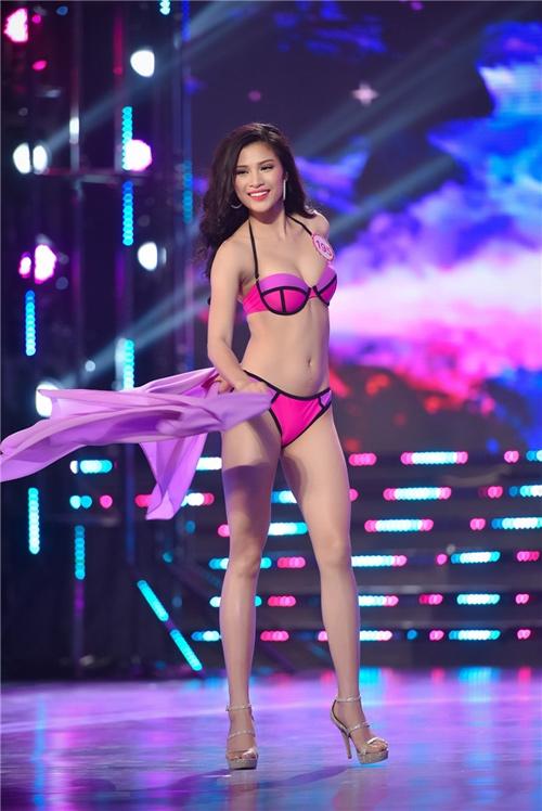 """""""Bản sao Phạm Hương"""" tố BTC Hoa hậu Việt Nam xử ép - 1"""