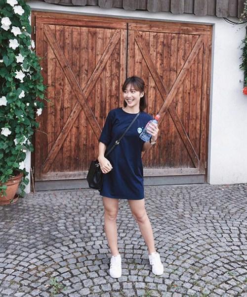 """Kiểu giày nào được các hotgirl Việt """"cưng chiều"""" ngày hè? - 1"""