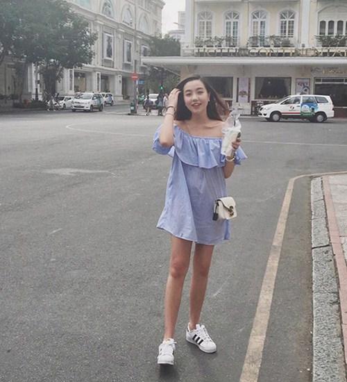 """Kiểu giày nào được các hotgirl Việt """"cưng chiều"""" ngày hè? - 6"""