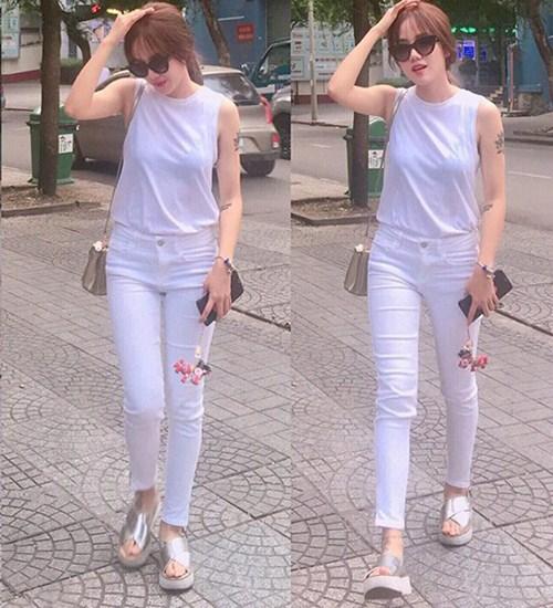 """Kiểu giày nào được các hotgirl Việt """"cưng chiều"""" ngày hè? - 12"""