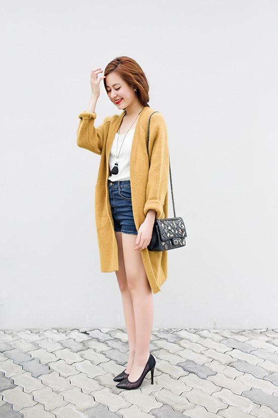 Hoàng Thùy Linh quá gợi cảm với với soóc, váy ngắn - 1