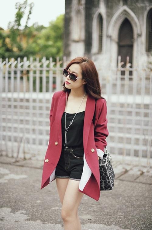 Hoàng Thùy Linh quá gợi cảm với với soóc, váy ngắn - 8