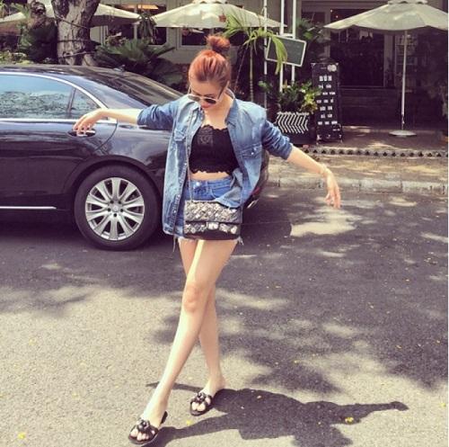Hoàng Thùy Linh quá gợi cảm với với soóc, váy ngắn - 11