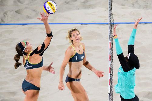 Bóng chuyền bãi biển Olympic, bikini đấu khăn trùm kín mít - 3