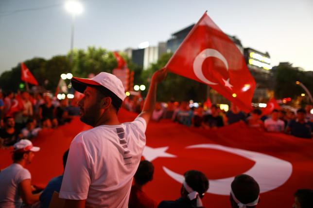 Sau đảo chính, sĩ quan Thổ Nhĩ Kỳ xin tị nạn ở Mỹ - 1